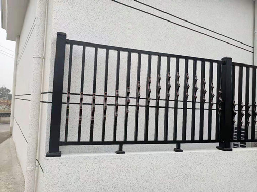 鋁藝圍(wei)牆護欄-024